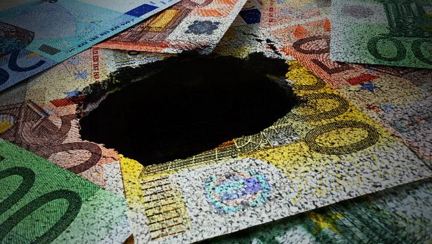 Budgetloch: Fehlen 30 bis 40 Milliarden Euro? (Bild: thinkstockphotos.de, krone.at-Grafik)