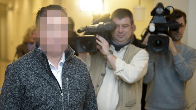 NÖ: Pfarrer steht wegen Vergewaltigung vor Gericht (Bild: APA/ROLAND SCHLAGER)