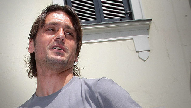 Gr�dig-Profi erpresst: Ex-�FB-Star Kuljic in Haft (Bild: APA/Helmut Fohringer, krone.at-Grafik)