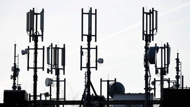 Mobilfunkbranche fiebert Turbonetz 5G entgegen (Bild: dpa/Carsten Rehder)