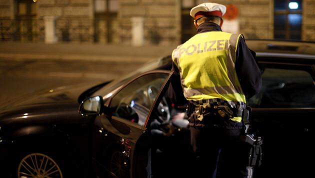"""Panne nach Fahrerflucht: Betrunkener Freund """"half"""" (Bild: APA/GEORG HOCHMUTH (Symbolbild))"""