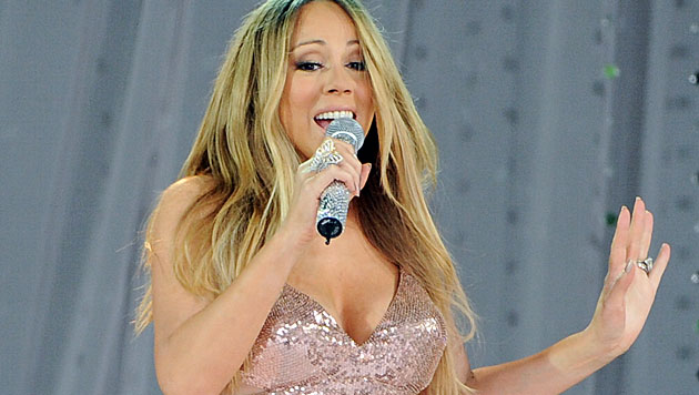 Photoshop-Desaster auf Mariah Careys Album-Cover (Bild: AP)