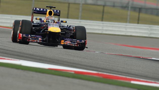 Vettel holt in Austin Pole vor Webber und Grosjean (Bild: EPA)