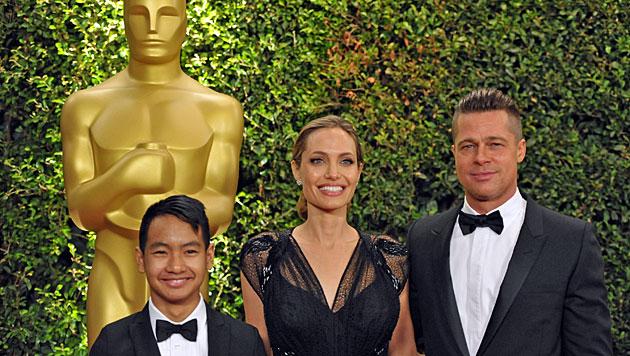 Hier stiehlt Vivienne Mama Angelina Jolie die Show (Bild: AP)