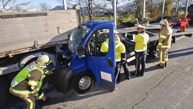 Beifahrer (34) bei Verkehrsunfall schwer verletzt (Bild: MARKUS TSCHEPP)