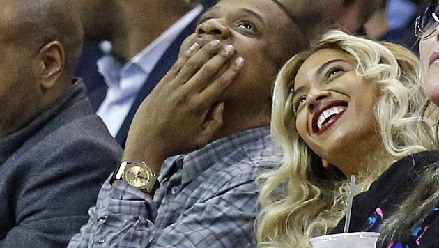 Beyonce und Jay-Z turteln Gerüchte um Trennung weg (Bild: AP)