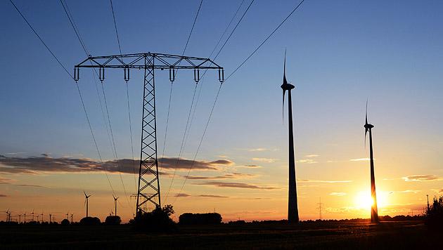 Experten warnen vor Attacken auf unser Stromsystem (Bild: dpa-Zentralbild/Jens Kalaene)