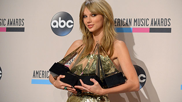 Taylor Swift dominierte American Music Awards (Bild: AP)