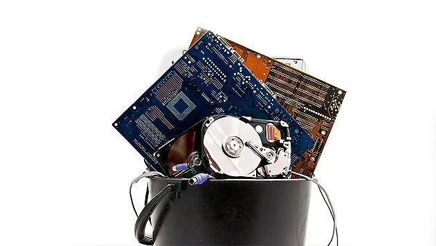 Computerreparatur: Versicherte zahlen mehr (Bild: thinkstockphotos.de)