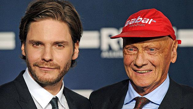 """Niki Lauda macht Werbung für den Film """"Rush"""" (Bild: EPA)"""