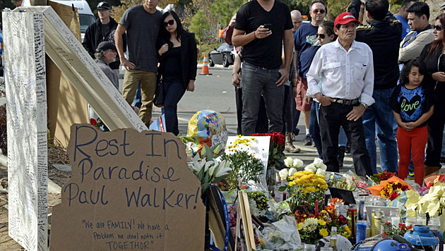 """TMZ"" zeigt Video von Paul Walkers Horror-Crash (Bild: AP)"