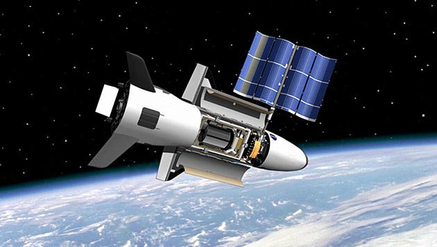Künstlerische Illustration des Shuttles X-37B im All (Bild: NASA/MSFC)