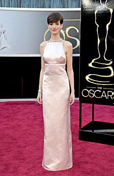 """Miley Cyrus ist der """"worst dressed"""" Star 2013 (Bild: AP)"""