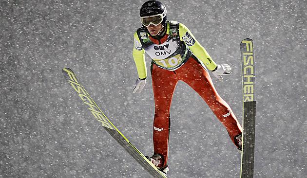 Iraschko-Stolz bei Weltcup-Comeback Zweite (Bild: AP)