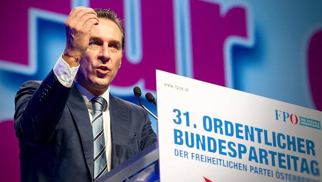 """Strache: """"Wir stehen knapp vor dem Durchbruch"""" (Bild: APA/ERWIN SCHERIAU, krone.at-Grafik)"""