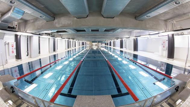 Alle Becken dicht, aber noch kein Eröffnungstermin (Bild: APA/EVA KELETY)