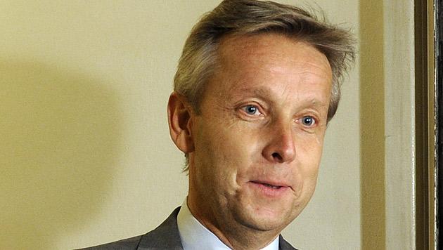 "Lopatka: ""Steuern steigen pro Kopf um zehn Euro"" (Bild: APA/Herbert Pfarrhofer)"