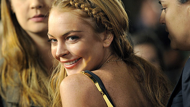 Lindsay Lohan postet heißes Oben-ohne-Selfie (Bild: AP)