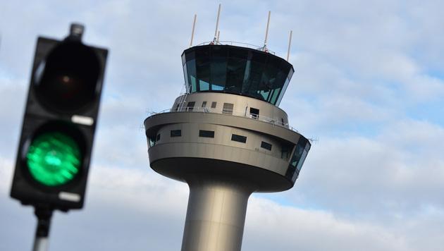 Flughafen Salzburg: Deutsche machen Rückzieher (Bild: APA/BARBARA GINDL)