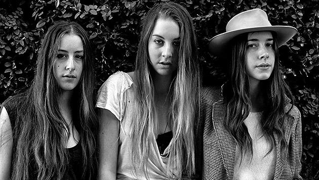 """Schwestern-Trio Haim: """"Wir streiten nur um Mode"""" (Bild: Universal Music)"""