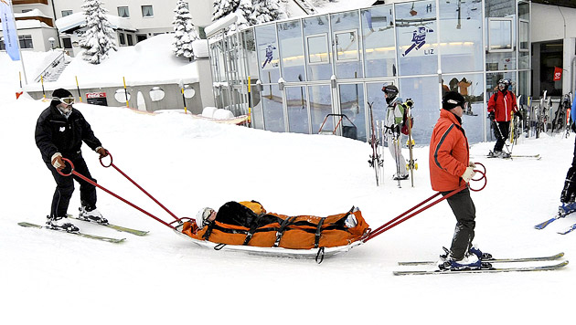 14-Jähriger bei Skiunfall schwer am Kopf verletzt (Bild: APA/ROBERT PARIGGER (Symbolbild))