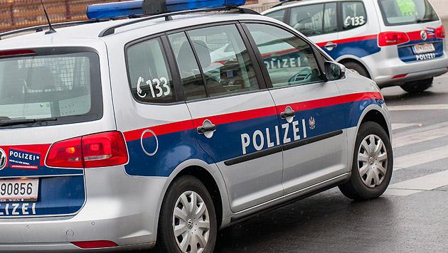 Autolenker (31) rast auf Felgen Polizei davon (Bild: Andreas Graf (Symbolbild))