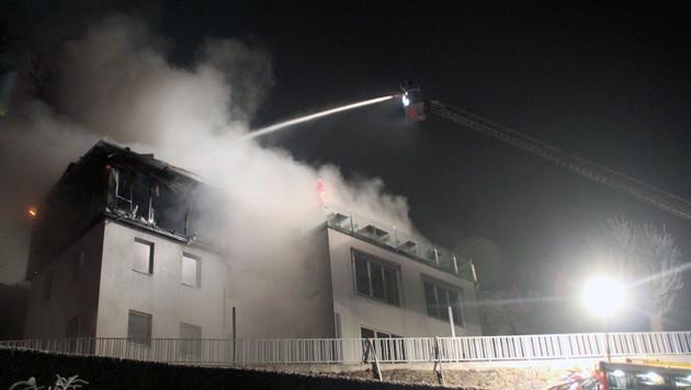 Feuer in Linzer Lokal: Brandstiftung vermutet (Bild: Berufsfeuerwehr Linz)