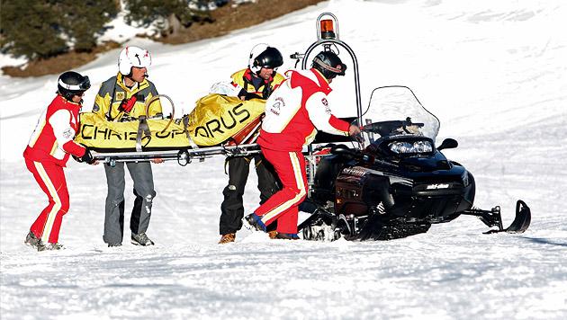 Zwölfjährige stürzt über Schneewechte 13 Meter ab (Bild: APA/GEORG HOCHMUTH (Symbolbild))