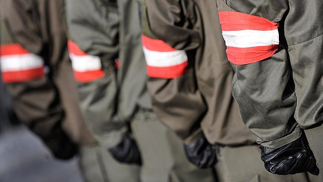 Weihnachten zwischen den Fronten für 940 Soldaten (Bild: APA/ROBERT JÄGER)