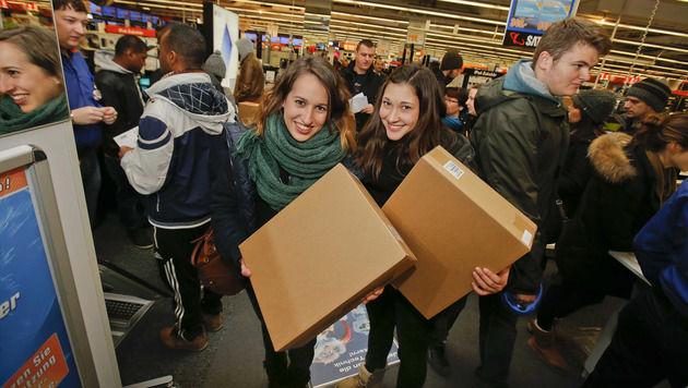 Schnäppchenjäger stürmten Einkaufszentren (Bild: MARKUS TSCHEPP)