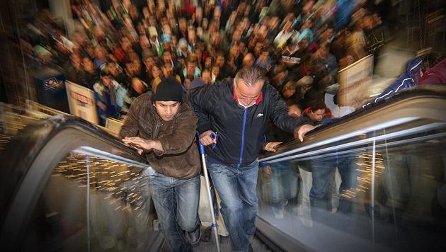 Schnäppchenjäger stürmten Einkaufszentren (Bild: Franz Neumayr, krone.at-Grafik)
