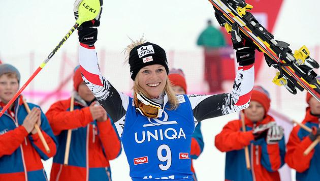 Marlies Schild feiert in Lienz 35. Slalom-Sieg (Bild: APA/HANS KLAUS TECHT)