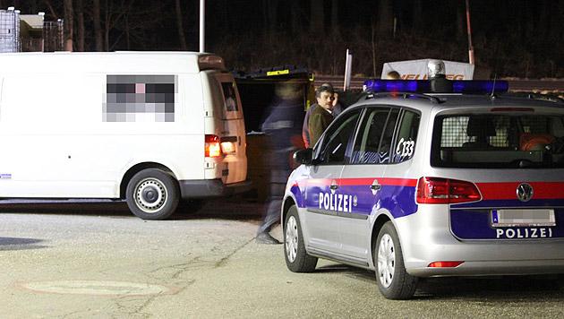 Geldtransporter in OÖ von Unbekannten überfallen (Bild: APA/SALZI.AT)