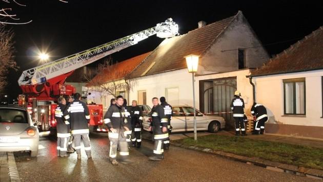 Überhitzter Topf löst Hausbrand aus - 2 Verletzte (Bild: Stadtfeuerwehr Frauenkirchen)