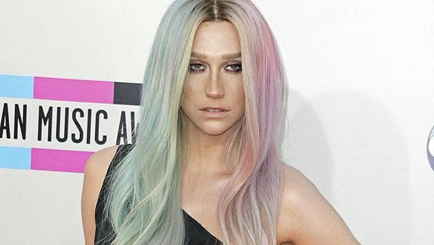 Kesha lässt die Brüste ihre Songs komponieren (Bild: AP)