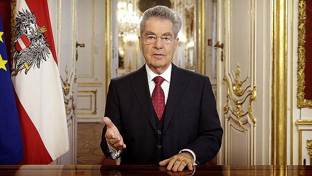 Fischer bittet um Vertrauen in die neue Regierung (Bild: APA/BUNDESHEER/PETER LECHNER)