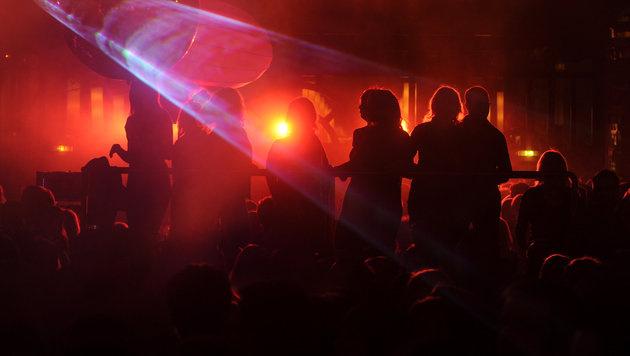 Tirol: Drei Frauen vor Diskothek niedergeschlagen (Bild: dpa/Franziska Kraufmann (Symbolbild))