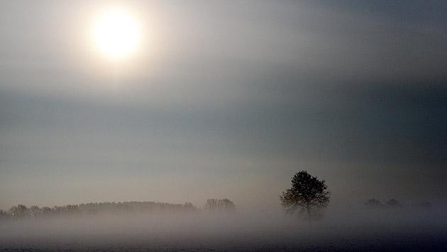 Föhn bringt Mix aus Sonne, Wolken, Nebel und Regen (Bild: dpa/Carsten Rehder)