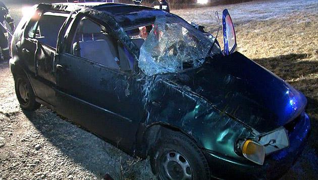 NÖ: Beifahrerin bei Verkehrsunfall schwer verletzt (Bild: Einsatzdoku.at)