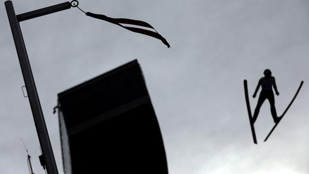 Bergisel-Springen abgebrochen - Koivuranta siegt (Bild: AP)