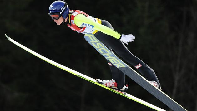 Iraschko in Tschaikowski erneut auf Rang sieben (Bild: AP)