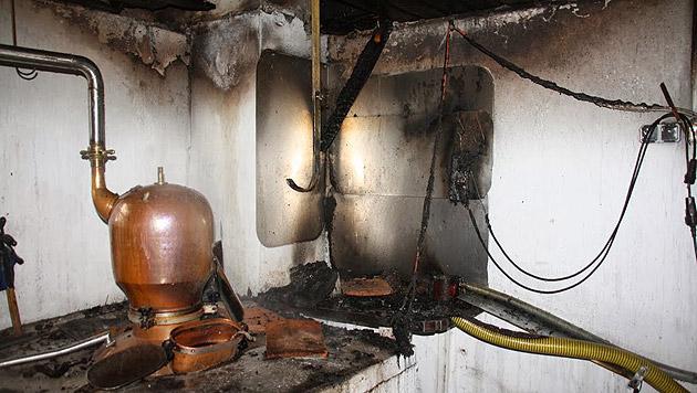 Steiermark: Schnapsbrennerei ging in Flammen auf (Bild: FF Pöllau)