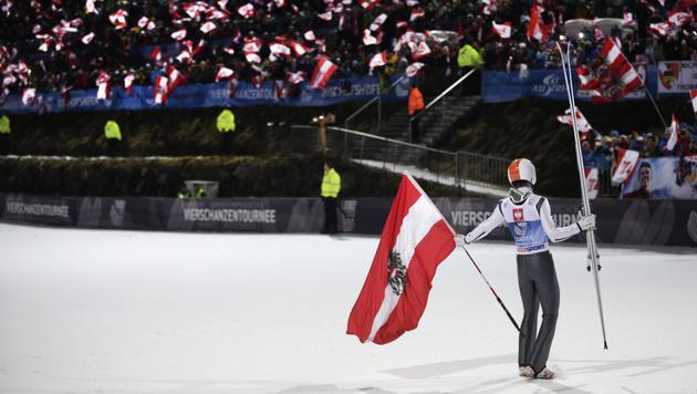 Thomas Diethart gewinnt die Vierschanzen-Tournee (Bild: APA/GEORG HOCHMUTH)