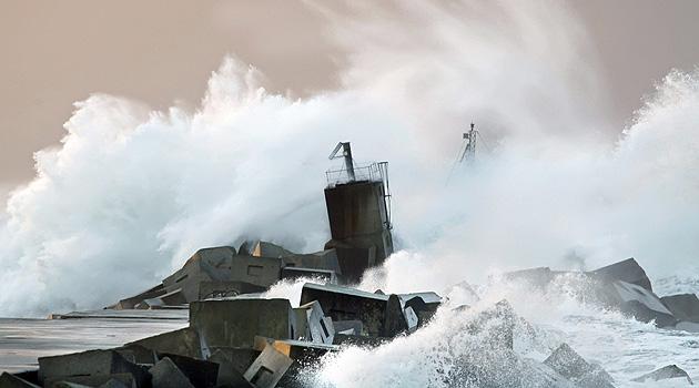 Meeresspiegel steigt wohl stärker als befürchtet (Bild: APA/EPA/Alberto Morante)