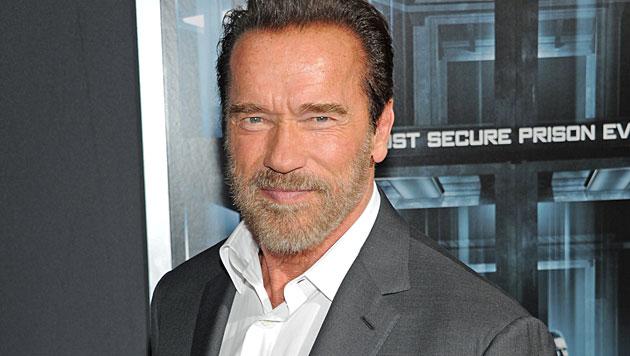 Arnie fix in Kitz zum Stelldichein an der Streif (Bild: AP)