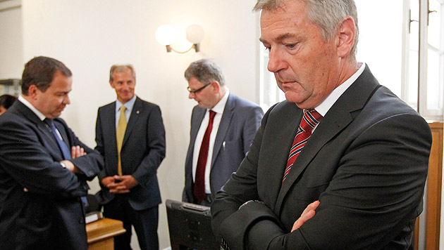Ex-Hypo-Manager Xander hat Haftstrafe angetreten (Bild: APA/Gert Eggenberger)