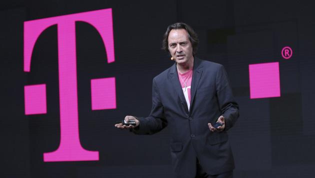T-Mobile-Chef fliegt bei Party der Konkurrenz raus (Bild: AP)