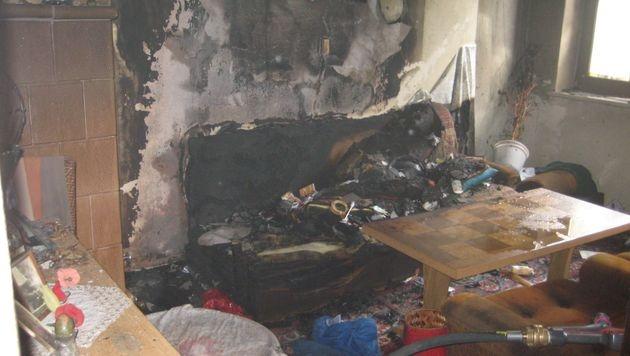 Wohnungsbrand in Ktn: Betreuerin rettet 90-Jährige (Bild: Berufsfeuerwehr Klagenfurt)