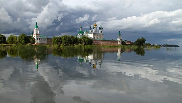 Mit dem Schiff durch Russlands unbekannte Weiten (Bild: thinkstockphotos.de)