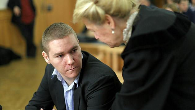 Raubopfer in Kühltruhe gesperrt: Zehn Jahre Haft (Bild: Gerhard Bartel)